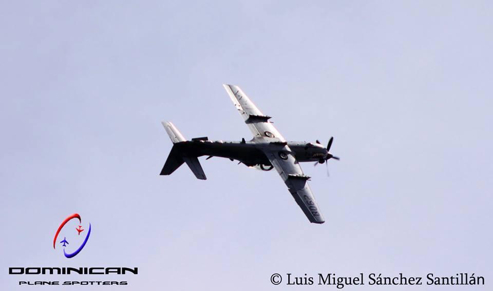 Toneles y loops: las acrobacias aéreas en RD