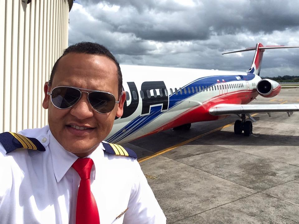 Fe, aviación y música: hablamos con el piloto Oriel Castro