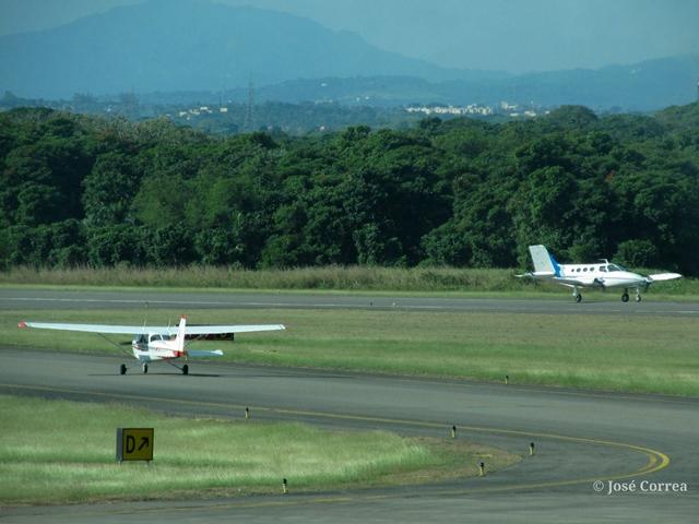 ¿Por qué no hay vuelos comerciales internos en RD?